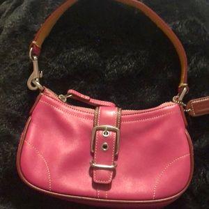 Coach mini bag / wristlet